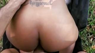 Man manages to tempt a hottie for vehement sex
