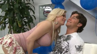 Diamond Foxxx gives blowjob like birthday present